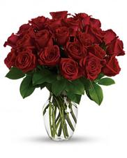 11 Classic Red Roses.